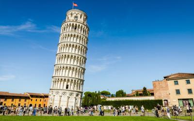 Por que a Torre de Pisa é tão inclinada?